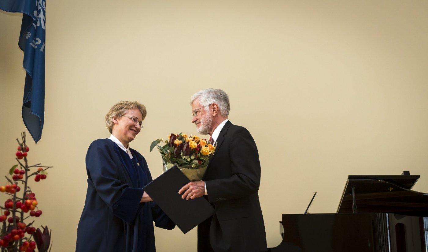 Arnfríður Guðmundsdóttir og Gordon Lathrop