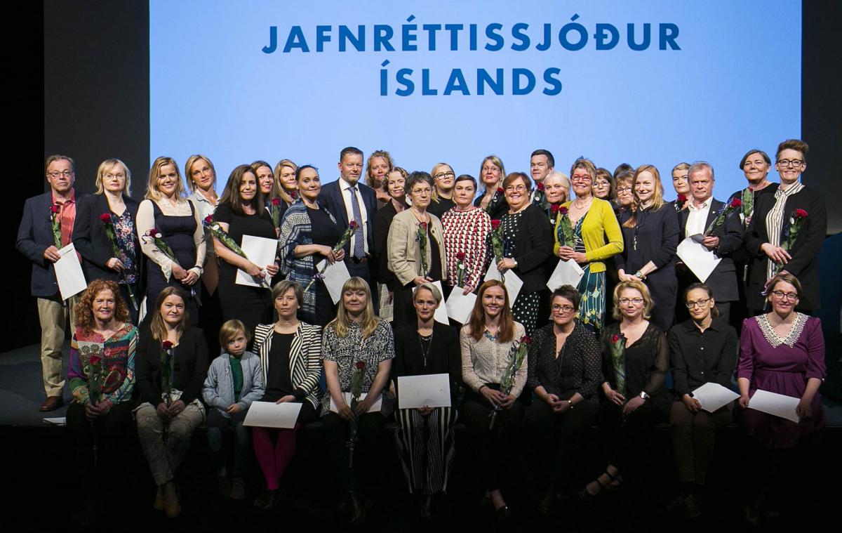 Styrkhafar úr Jafnréttissjóði Íslands ásamt félags- og jafnréttisráðherra.