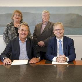 Fulltrúar Háskóla Íslands, Endurmenntunar og Samgöngustofu að lokinni undirskrift.