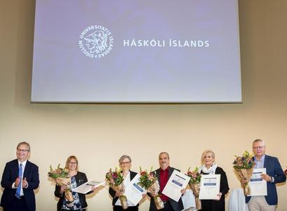 Fulltrúar fræðasviða Háskóla Íslands og kennslusviðs miðlægrar stjórnsýslu á ársfundinum í dag