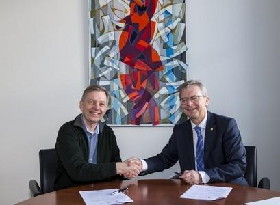 Gunnar Stefánsson, prófessor við Raunvísindadeild, og Jón Atli Benediktsson, rektor Háskóla Íslands,