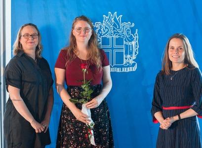 Linda Rós ásamt Brynju og Katrínu Jakobsdóttur, forsætisráðherra.
