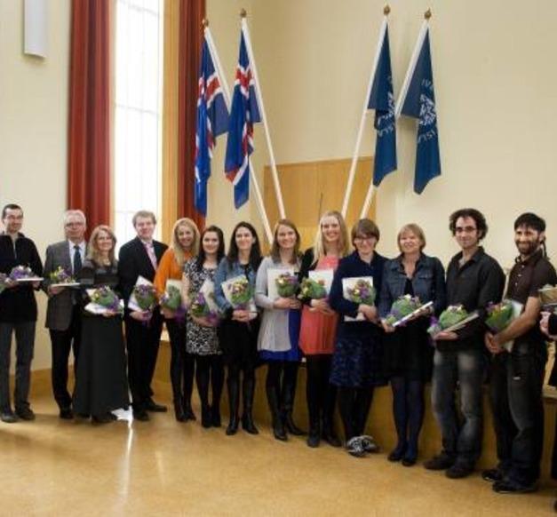 Mynd af styrkþegum úr Háskólasjóði H/f Eimskipafélags Íslands vorið 2011