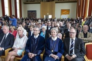 Mynd frá rektorsskiptum í Háskóla Íslands 2015