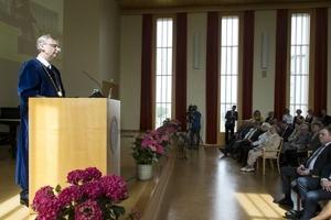 Jón Atli Benediktsson rektor í pontu