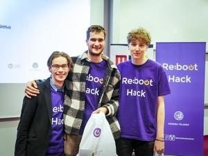 Þátttakendur í Reboot Hack