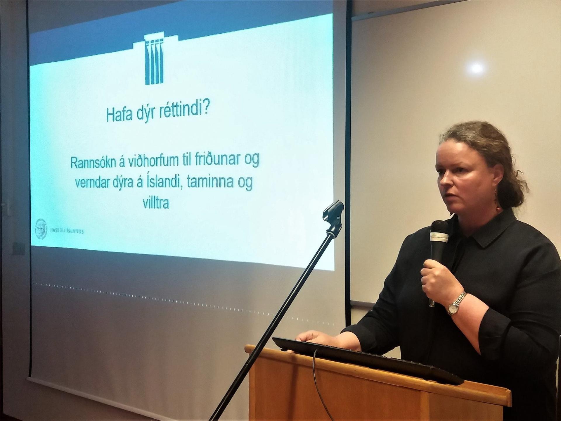 Unnuur Birna Karlsdóttir forstöðumaður setursins